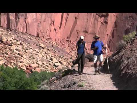 Hiking - Capitol Reef Country