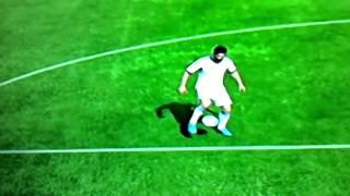 Как сделать финт Вокруг света в Fifa 13 обучение