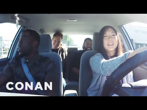 Видео: Ice Cube, Kevin Hart And Conan Help A Student Driver  - CONAN on TBS