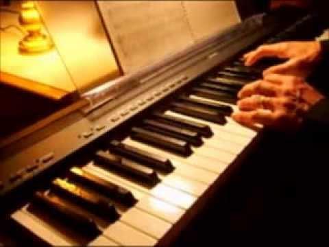 Atlas (Coldplay) karaoke - instrumental on piano