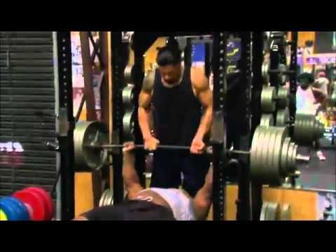 Video: John Cena Gym – Big E Langston bench presses 575lb raw