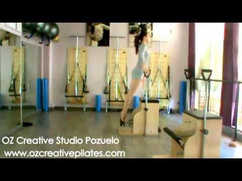 Ejercicios de pilates con Máquinas. Oz Creative Studio