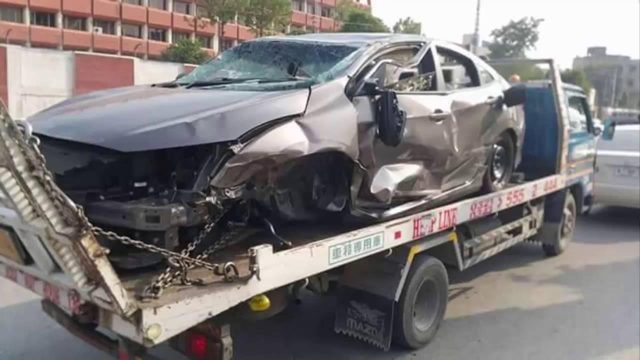 New Honda Civic Car Accident At University Town Peshawar Very