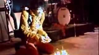 Jimi Hendrix Sets Guitar On Fire at Monterey Pop Festival (1967)