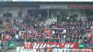 Opkomst spelers Twente-NAC in Emmen met YNWA