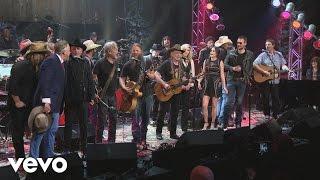 Willie Nelson & Full Ensemble - Luckenbach, Texas (Back to the Basics of Love) (Live)