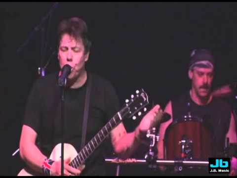 George Thorogood and The Destroyers - You Talk Too Much (30th Anniversary Tour - 2005)