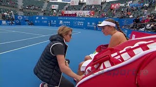 Jelena Ostapenko mad with her mother on a tactical timeout and tell her to leave