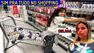 MINHA MÃE DISSE SIM PARA TUDO NO SHOPPING