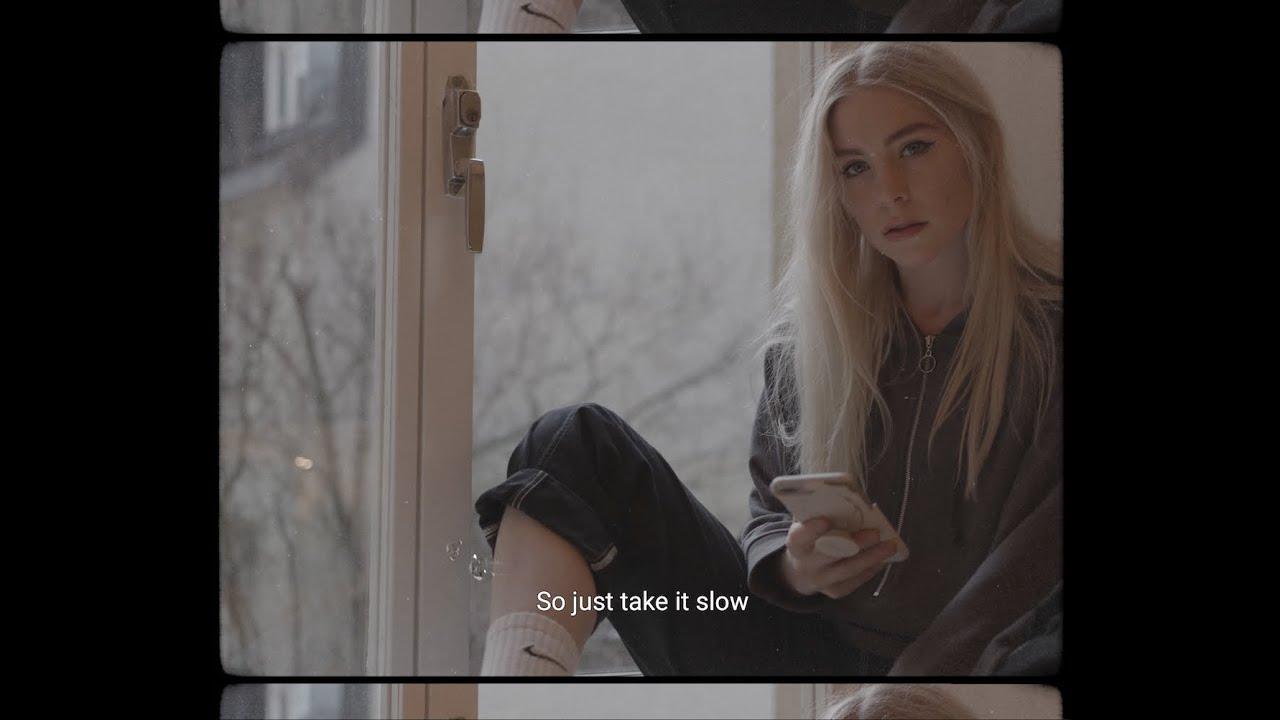 Arti Terjemahan Lirik Lagu SHY Martin - Slow