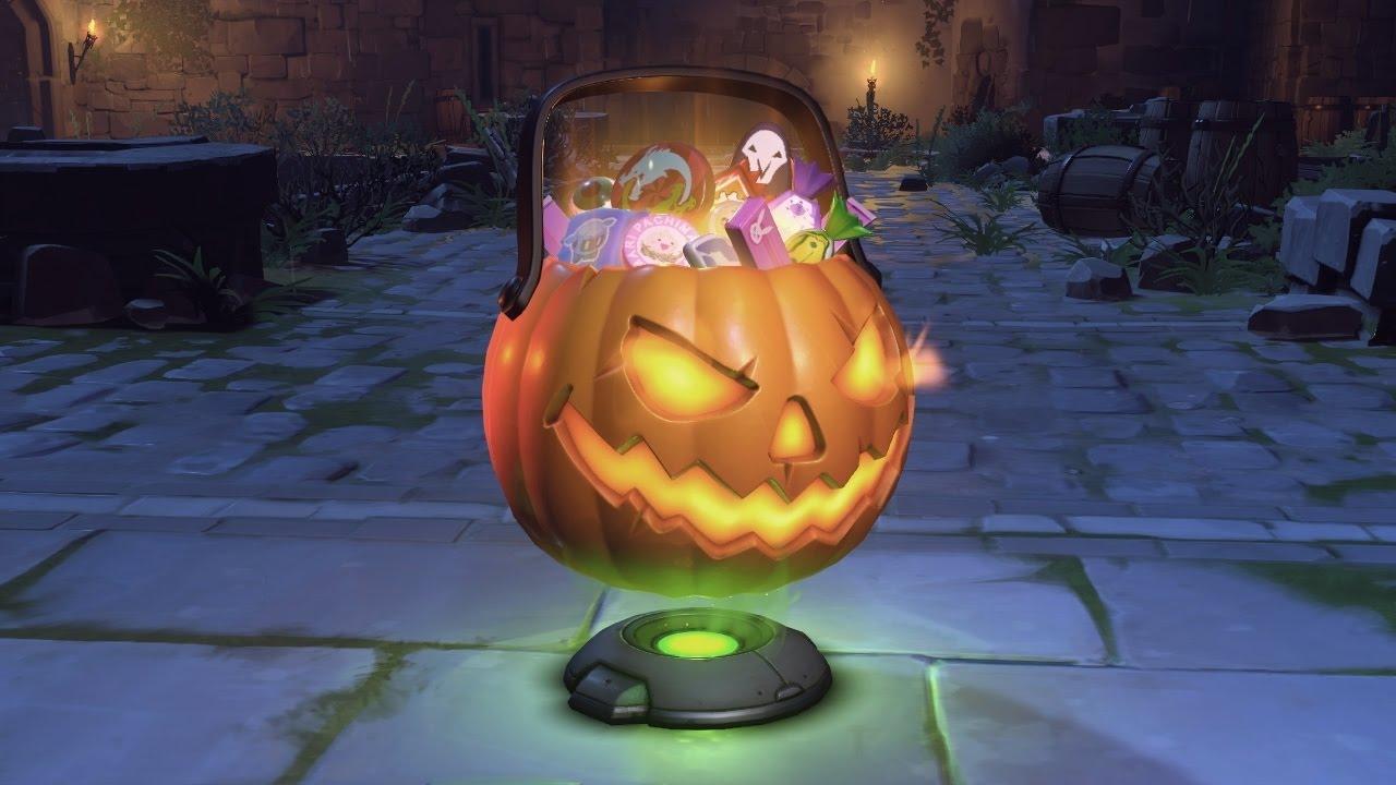 Overwatch: Open free Halloween loot box - YouTube
