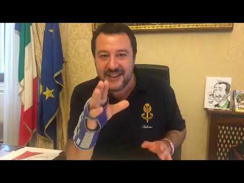 MATTEO SALVINI APRE LA BUSTA DELLA PROCURA DI CATANIA (01.11.2018)
