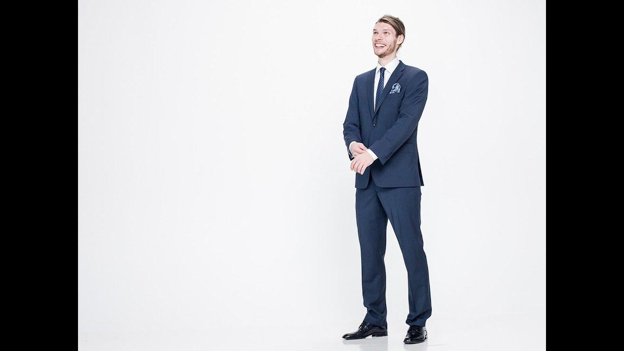 Mitä kannattaa ottaa huomioon miesten pukua ostaessa?