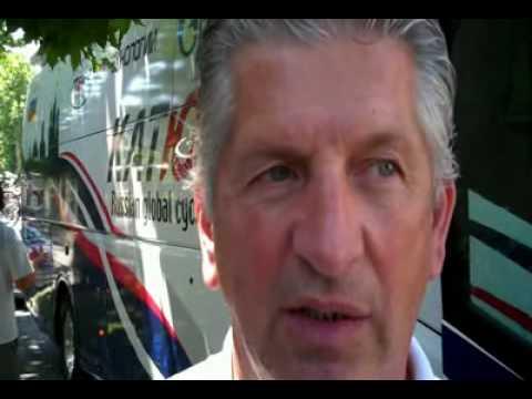 Serge Parsani, directeur sportif de Katusha.wmv.MPG