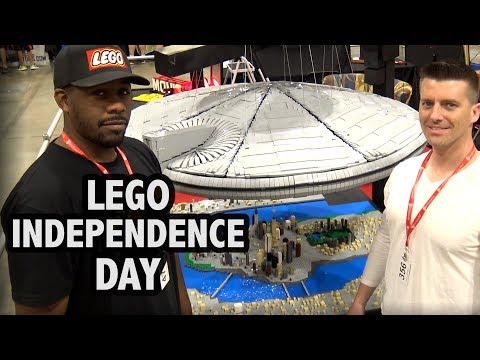 Huge LEGO Independence Day Alien Spaceship | Brickworld Chicago 2017