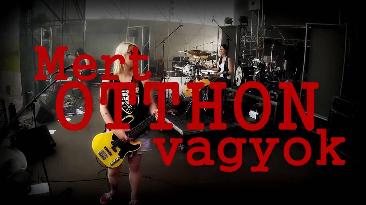 dorothy-otthon-barhol-official-lyric-video-dorothy-zenekar