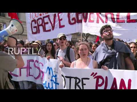 France: Clashes break out at protest against Macron's labour reforms