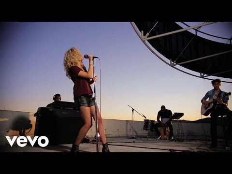 Tori Kelly - Nobody Love (Top of the Tower) (Vevo LIFT)