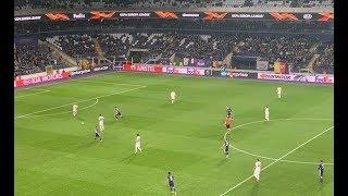 Fenerbahçe Anderlecht maçında trübünlerde büyük coşku meşaleler yakıldı