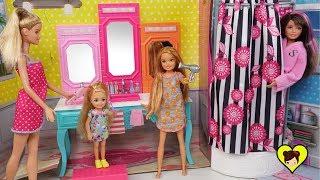 Rutina de Mañana Escolar de Barbie Stacie y Chelsea - Montan el Bus Escolar!