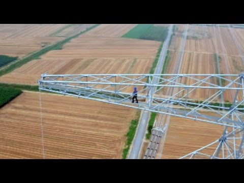 Daredevil: Barehanded Worker of Ultra-high Voltage Live-line in China