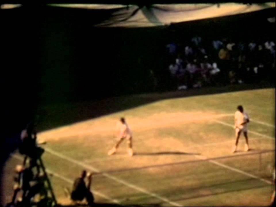 Ilie Nastase and Jimmy Connors_Men´s doubles champs Wimbledon 1973