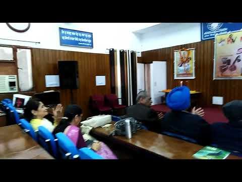Duniya banane wale kya tere man me samayi performed by Param Rupal