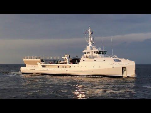 Binnenkomst GAME CHANGER (supply vessel) scheveningen 2-5-2017