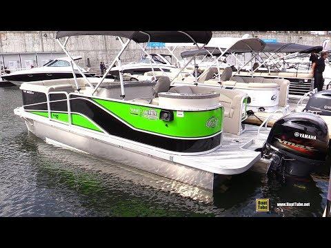 2017 Sun Catcher V322 GT Pontoon - Walkaround - 2017 Montreal In Water Boat Show