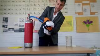 Video Yangın Söndürme Tüpü İle Kuru Buz Yapımı (Türkçe anlatımlı) download MP3, 3GP, MP4, WEBM, AVI, FLV Februari 2018