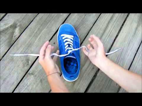 Cách buộc dây giày nhanh.