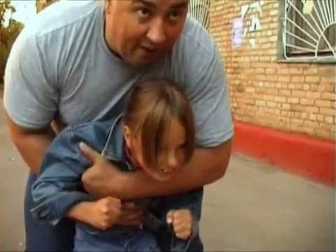 отец жестко трахаэт дочь