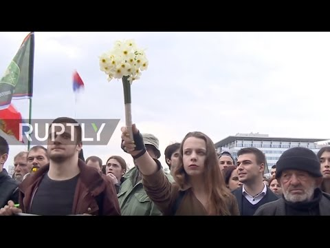 Serbia: Police and army trade unions join students in sixth day of anti-Vucic protests