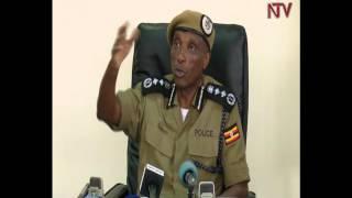 Poliisi ezzeemu okugaana Besigye okuva ewaka. thumbnail