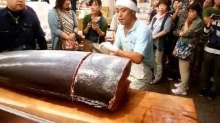 大口水産近江町カジキ解体ショー!