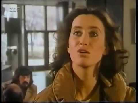 =90= Derrick Eine Rose im Müll (1982)