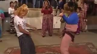 Çingene Kavgası - Kız kavgası - Düğünde kız kavgası (ROMAN KIZLARI KAVGA)