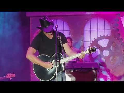 Trace Adkins - You're Gonna Miss This and Marry For Money - Live 2017