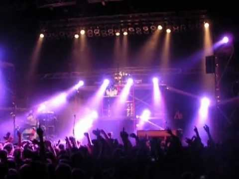 Lovely (live) - Twenty One Pilots