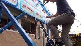 Kermis Uden - Verdien €50,- met trap lopen! - Zo moet het dus! ;-) - Kijk en leer!
