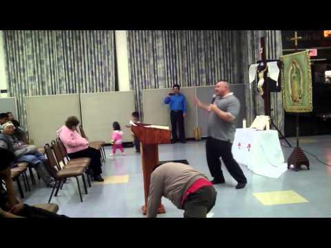 (Grupo de Oracion del Domingo) Jose Alvarez: Sirviendo a Dios y a la Familia