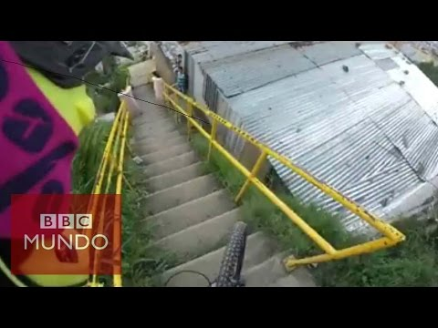 VIDEO: Vertiginoso descenso en bicicleta por un barrio de Medellín (GoPro)