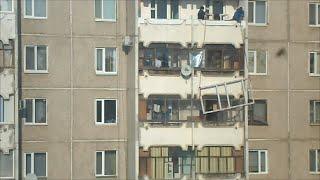 Пластиковые окна на балкон. Установка. Секрет  мастеров.(Установка пластиковых окон на лоджию на высоком этаже. Секреты установки пластиковых окон в высоких домах., 2015-04-02T21:29:57.000Z)
