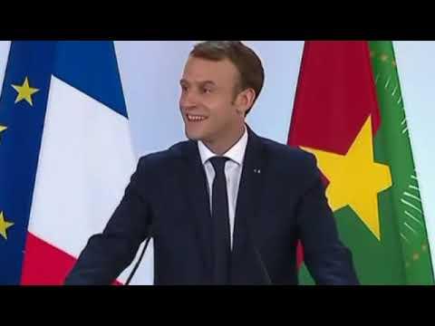 Macron répond aux questions des étudiants burkinabés à Ouagadougou