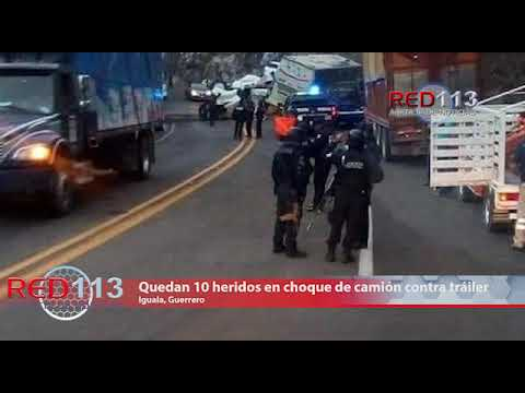 VIDEO Quedan 10 heridos en choque de camión contra tráiler