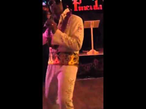 "Elvis of Samoa performing ""Release me"" 24-12-2015"