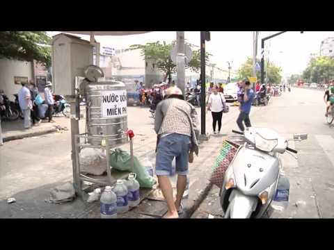 (VTC14)_Người Sài gòn khổ sở vì nắng nóng