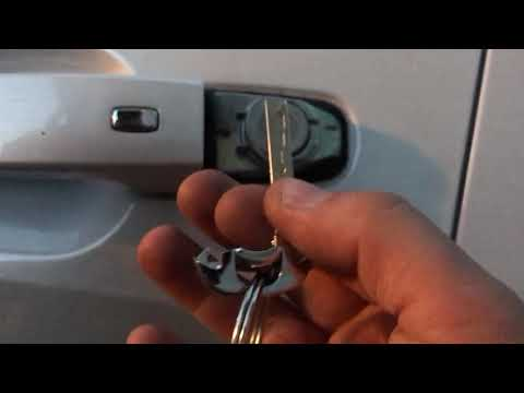 How to find key and keyhole to unlock your 2016-2019 Chevy Malibu