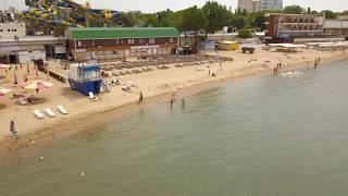 Анапа полет 4к. Центральный пляж Анапы вид с верху 22.05.2018