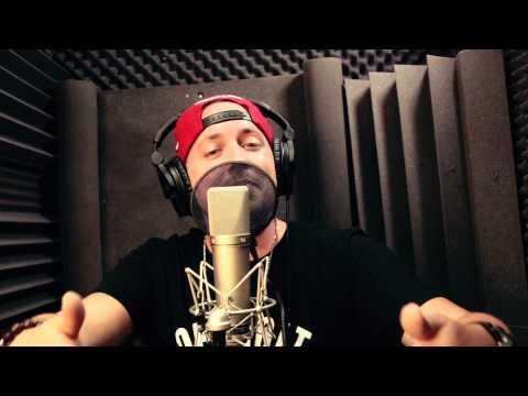 Astray - Peep The Style (Studio Performance) (Prod. Astray)